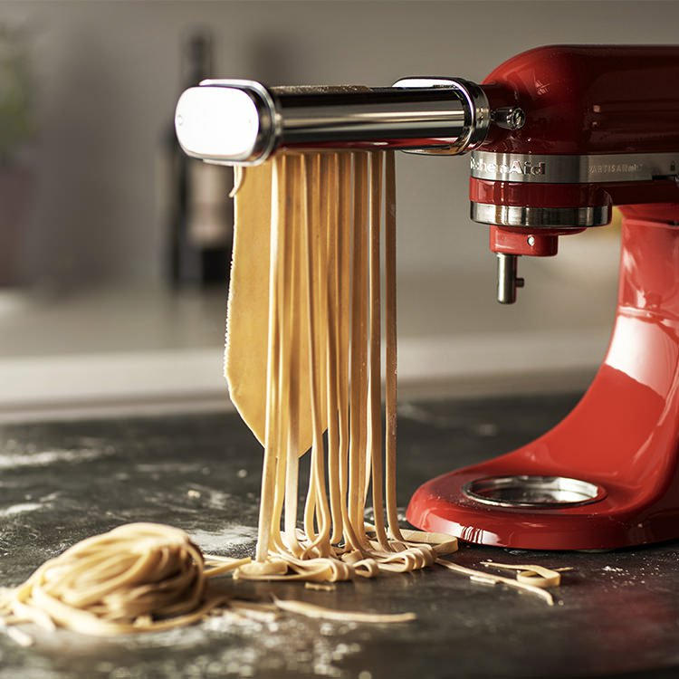 KitchenAid-Accessory-Pasta-Roller-Set_Lifestyle_4_750px
